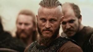 Ragnar Lothbrock dont l'interprète Travis Fimmel aurait fait un parfait Jax Teller dans Sons of Anarchy